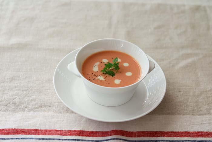 混ぜるだけ!豆乳トマトスープ