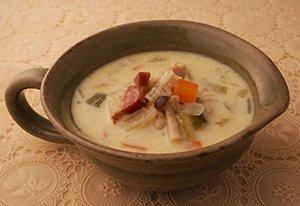 大麦と野菜の豆乳スープ