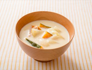 ゴロゴロ野菜の豆乳みそ汁