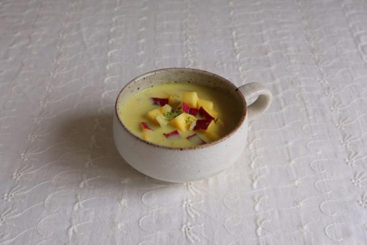 さつまいもの豆乳カレースープ