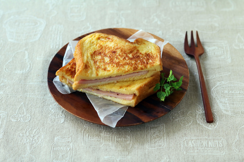ハムサンド豆乳フレンチトースト