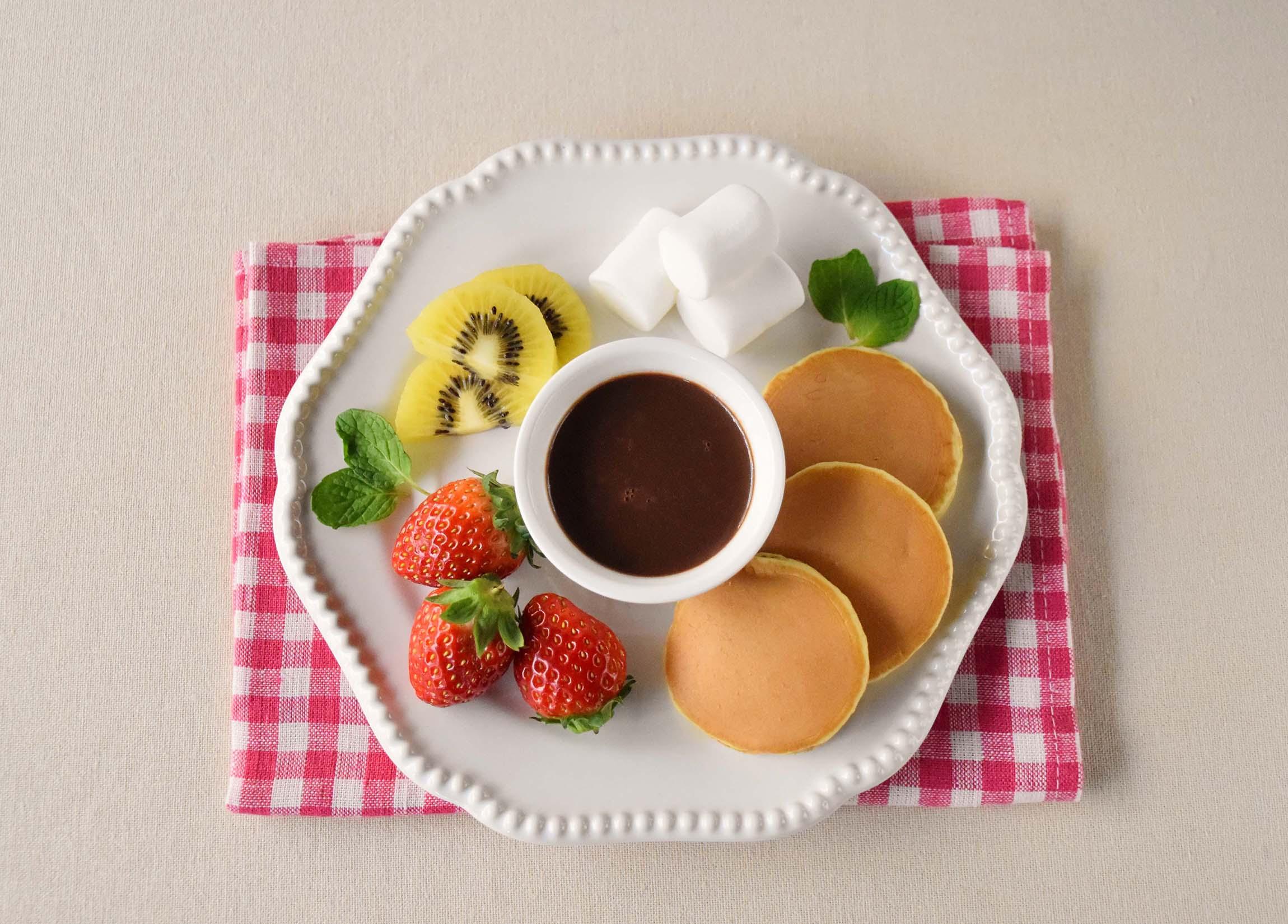 豆乳チョコフォンデュ(豆乳パンケーキ添え)